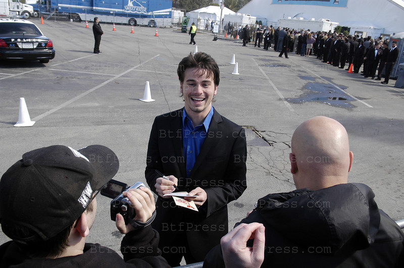 Actor Jason Ritter arrives  at the 2011 Film Independent Spirit Awards in Santa Monica,California on February 26,2011