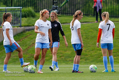 Andressa, Rachel Daly, Stephanie Ochs, Morgan Brian, and Kealia Ohai - Pregame Warmup (14 May 2016)