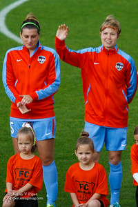 Cari Roccaro and Becca Moros - Player Introductions (14 May 2016)