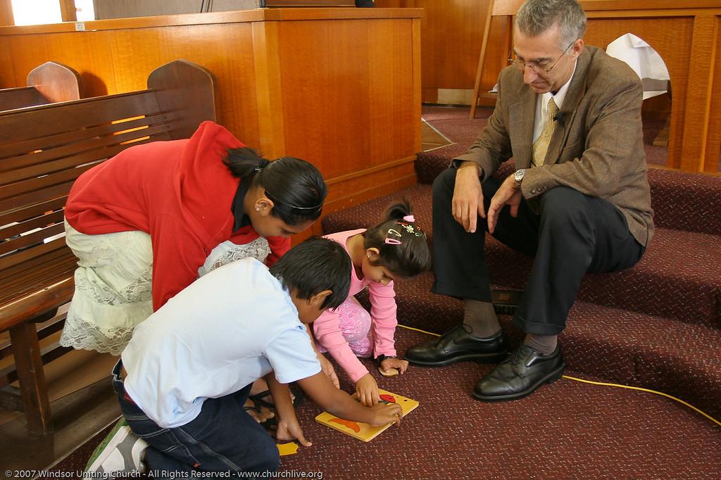 "Rev Dan Skippen conducts the Children's Address - churchlive.org - ""Step into the Light"" - Windsor Uniting Church, Brisbane, Queensland, Australia, 2008."