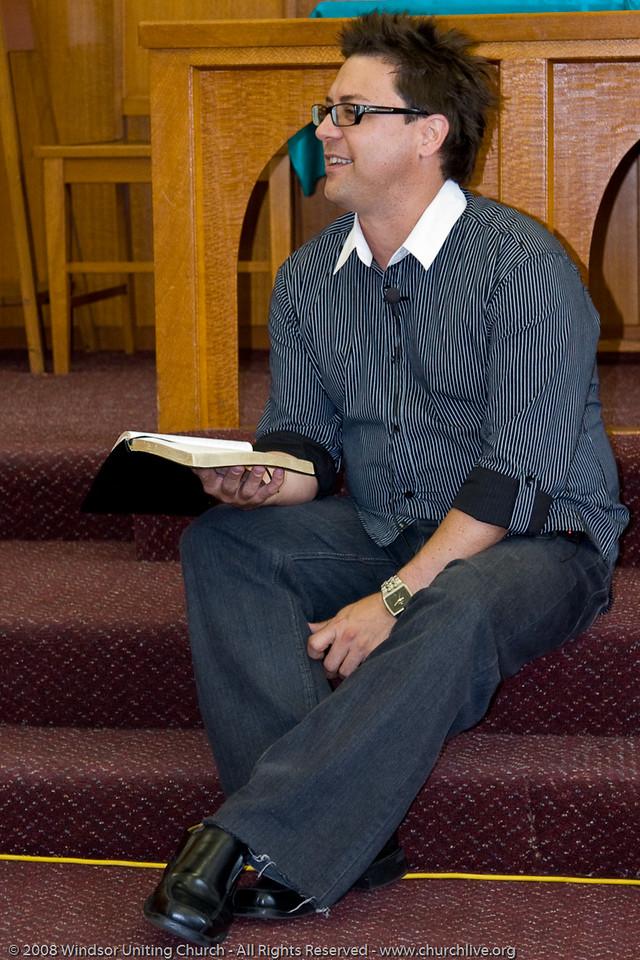 John Gill presents the Young People's address - churchlive.org - Windsor Uniting Church, Brisbane, Queensland, Australia, 2008.