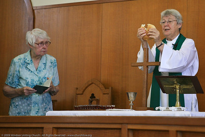 Celebrating Holy Communion - churchlive.org - 'Step into the Light' - Windsor Uniting Church, Brisbane, Queensland, Australia. (Helen Mills)