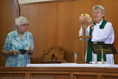 Celebrating Holy Communion - churchlive.org - 'Step into the Light' - Windsor Uniting Church, Brisbane, Queensland, Australia. (Helen Mills)