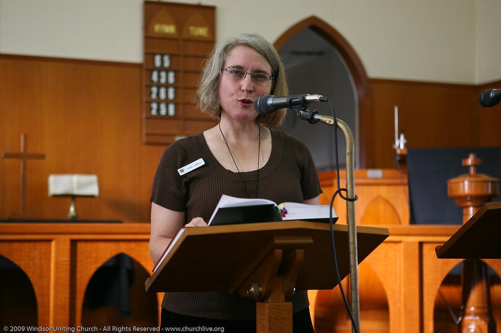 Good Friday early morning service -  Linda Hamill - churchlive.org - 'Step into the Light' - Windsor Uniting Church, Brisbane, Queensland, Australia.