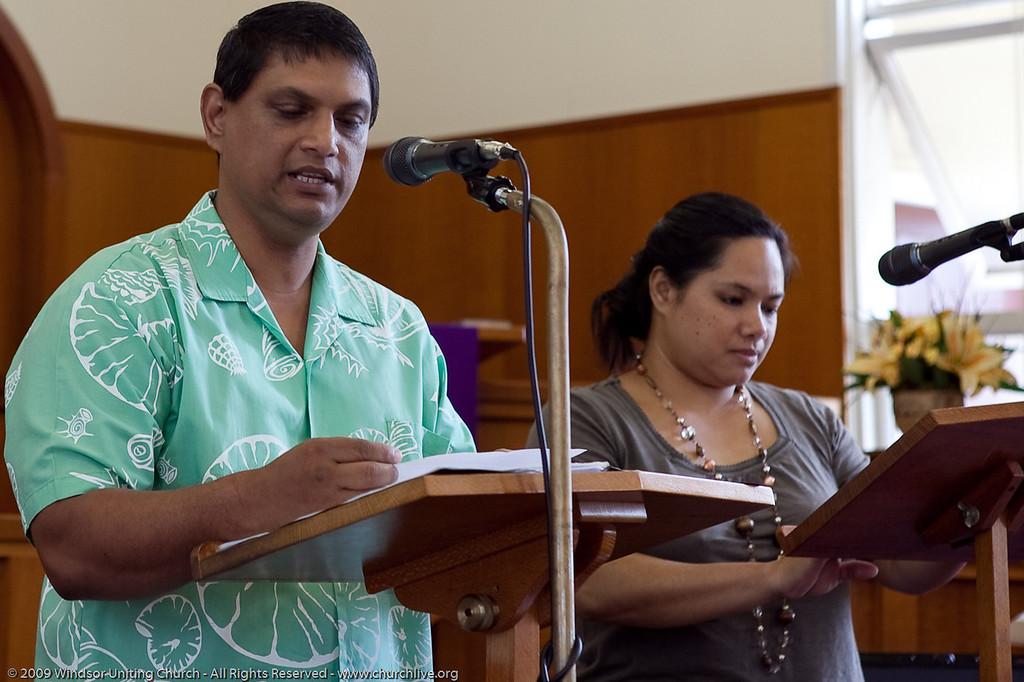 Peter & Elizabeth present the Bible Reading - churchlive.org - 'Step into the Light' - Windsor Uniting Church, Brisbane, Queensland, Australia
