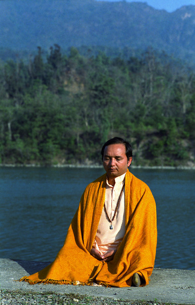 With resolute will, gradually get the mind fixed on the Self and obtain mental stillness; thereafter remain thought free, Whenever mind gets outward, bring it back and establish it on the Self.  —<i> Bhagavad Gita VI.25-6 </i> <i> L2948 Swami Anand, Rishikesh </i>