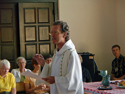 John Philip Newell leading worship, Agape Center, Ghost Ranch, Abiquiu, New Mexico, photo by Larry Hastings http://www.ghostranch.org/