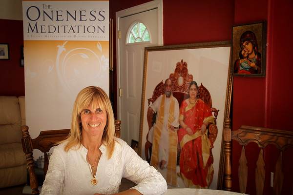 Oneness Meditaion Via Doug Bentley, Flowering Heart Center, Clearwater FL, 4 4 2012