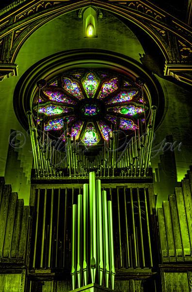 St Peter's 020 glow