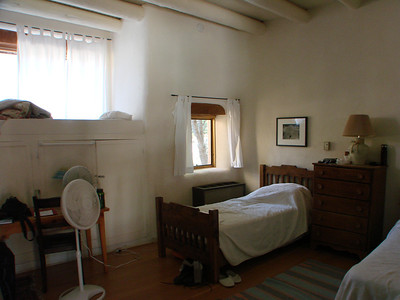 Comfortable accommodations in a tranquil setting. http://stillpointca.org/ghostranch.html http://www.ghostranch.org/courses-and-retreats/stillpoint