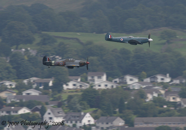 PS915 (BBMF) Spitfire PR XIX & PZ865/'JX' (BBMF) Hurricane IIC - 26th July 2008.