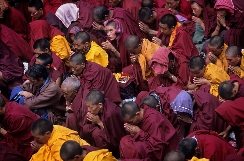 Listening to the Dalai Lama. Kalachakra at the Ki/Kye monastery (Spiti).