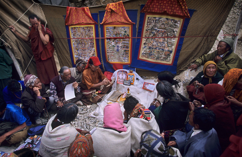 Reading the scriptures. Kalachakra at the Ki/Kye monastery (Spiti).