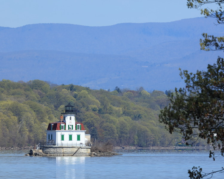 "Esopus Meadows Lighthouse aka ""Maid of the Meadows"" built in 1871 located on the Hudson River near Esopus, NY  (Sandy Tambone)"