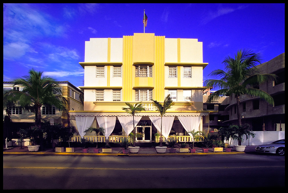 Before embarking on our cruise, my sister Dawn and I stayed at this hotel in South Beach, Miami.    I got up early before all the traffic and people crowded the scene!