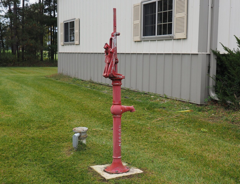 Old waterpump at Kandota Township Town Hall