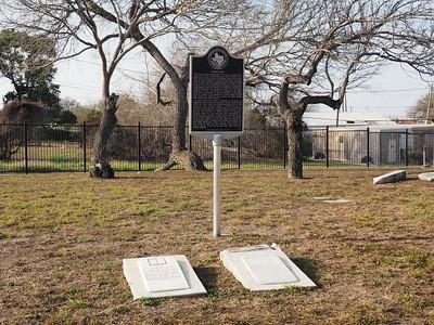 John Dix historic marker with John and Mary Dix gravestones