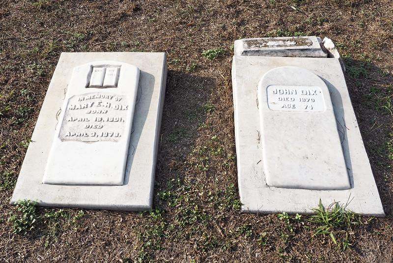 John and Mary Dix gravestones