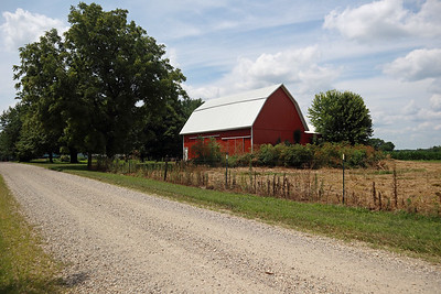 Red barn on CR 200W