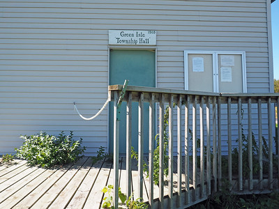 Entrance to Green Isle Township Hall