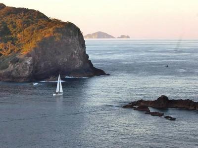 Magic Roundabout sails from New Zealand to Vanuatu