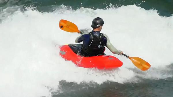 Vidéo - kayak en eau vive