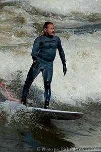 20110408_Surf_de_riviere-_pict0014