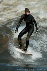 20110408_Surf_de_riviere-_pict0020