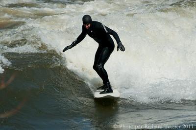 20110408_Surf_de_riviere-_pict0003