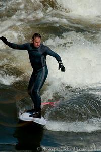 20110408_Surf_de_riviere-_pict0009