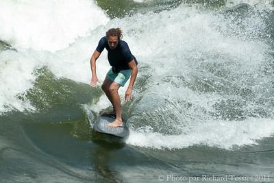 20110716_Surf_de_riviere_pict0018