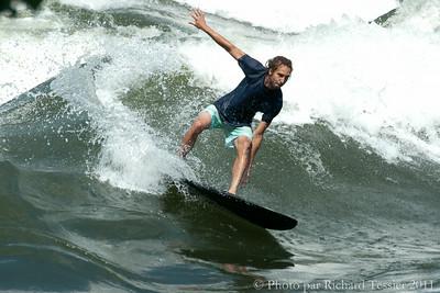 20110716_Surf_de_riviere_pict0019