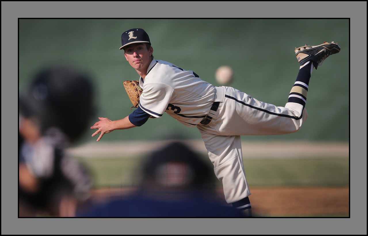 Lemont's pitcher Charlie Wright pitches against Oak Forest. | Allen Cunningham/For Sun-Times Media