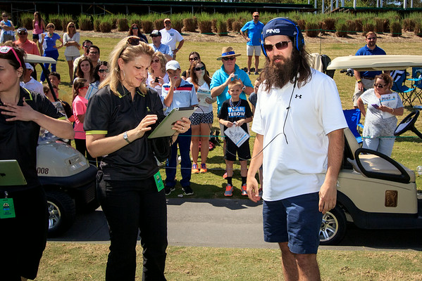 Jase Robertson playing Name That Tune on the 17th
