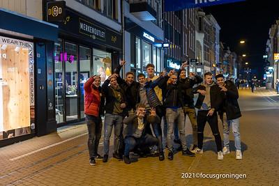 nederland 2021, groningen, herestraat, studenten tijdens 4 mijl 4 you