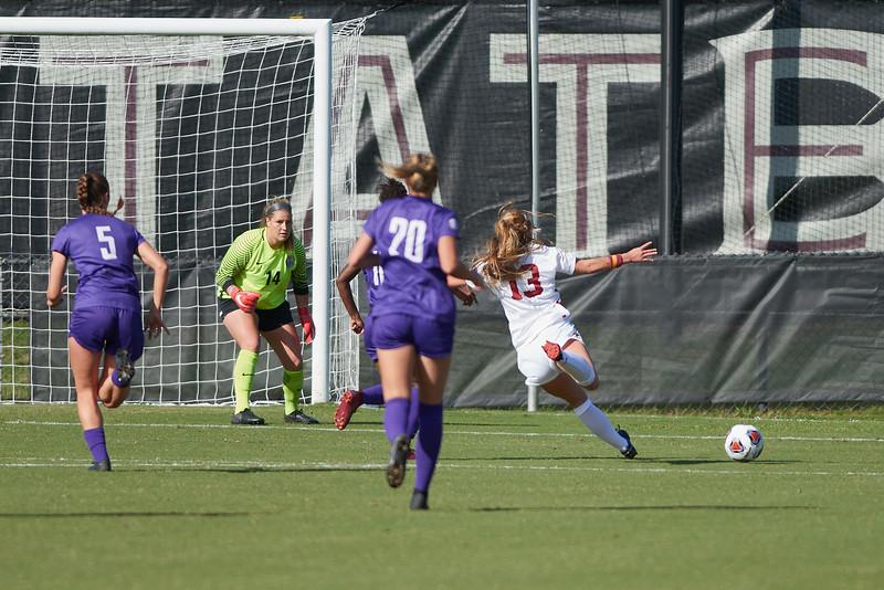 USC defeats LSU 2-0