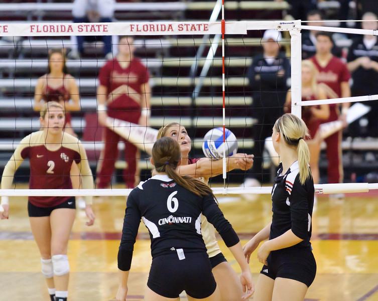 NCAA_Tourney_2011_FSU_Cincinnati_D32_9806