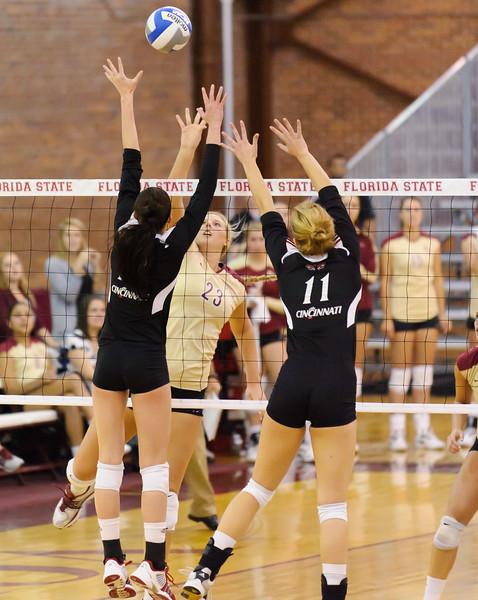 NCAA_Tourney_2011_FSU_Cincinnati_D32_9648