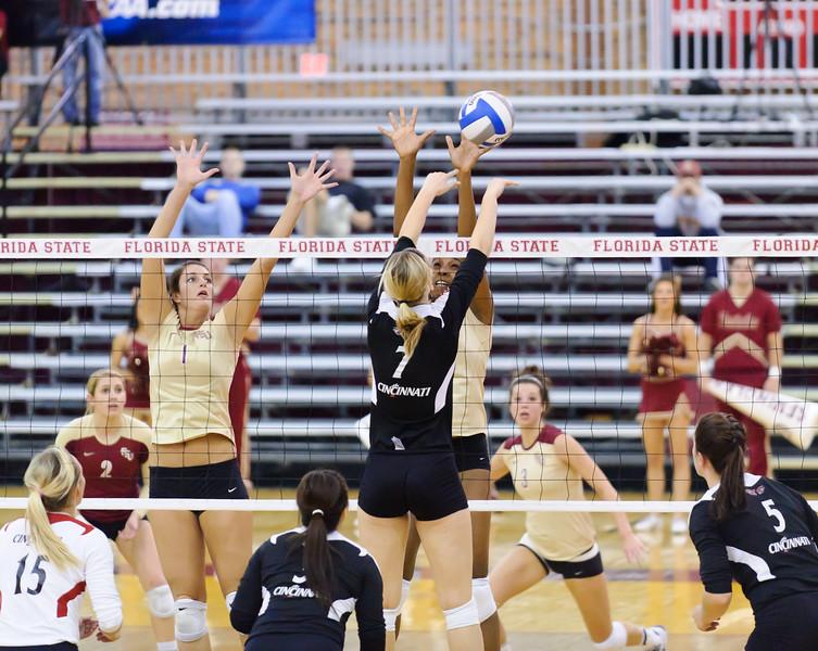 NCAA_Tourney_2011_FSU_Cincinnati_D32_9792
