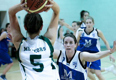 XXWomen's Premier Cup Quarter Final Basketball, Team Montenotte Hotel v Meteors 08/12/2013  .  Niamh Dwyer Montenotte Hotel covers Rebecca Nagle, Meteors as she prepares to throw in.  Picture: Andy Jay