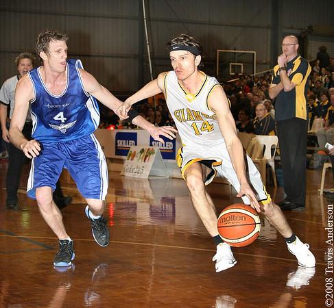 270708kalgiants3ta Goldfields Giants vs Perry Lakes Hawks SBL Basketball Matthew Leske (Giants) dribbles past Peter Crawford (Hawks)