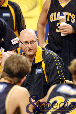 110509kalgiants1ta SBL - Goldfields Giants vs Perth Redbacks Giants coach Stephen Charlton talking to his team during a time out. Photo by Travis Anderson