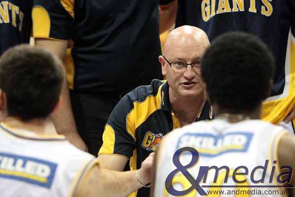 310509kalgiants1ta 2009 SBL Goldfields Giants @ Mandurah Magic Giants' coach Stephen Charlton talking to Alonzo Hird during a timeout.