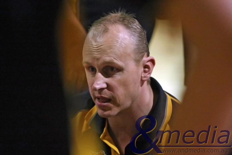 130310GGSSK7009 SBL - Goldfields Giants @ Stirling Senators Giants' coach Wayne Creek during a timeout. Photo: Travis Anderson - Andmedia/Sports Vision ©2010.