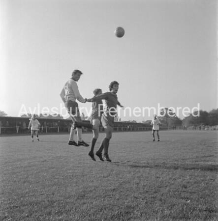 Aylesbury Utd v Hemel Hempstead Town, Oct 17th 1970