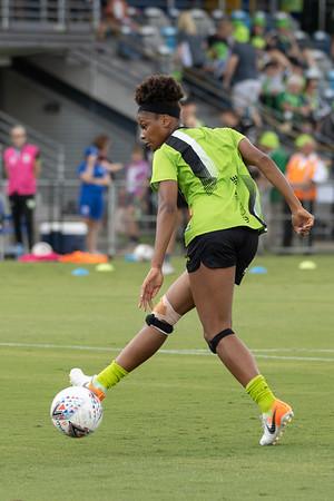 Simone Charley back heal shot