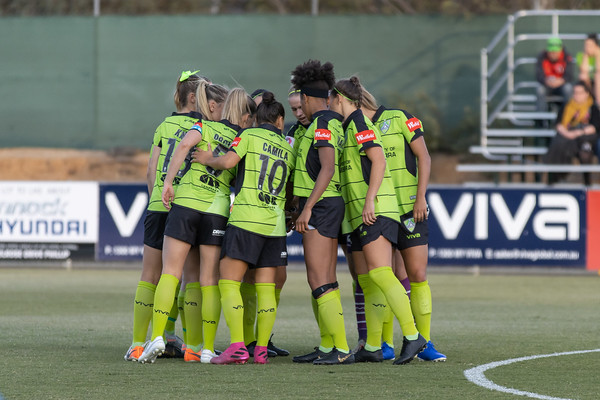 Canberra United Huddle