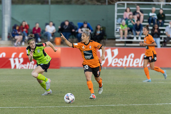 Katrina Gorry alerts striker for her pass