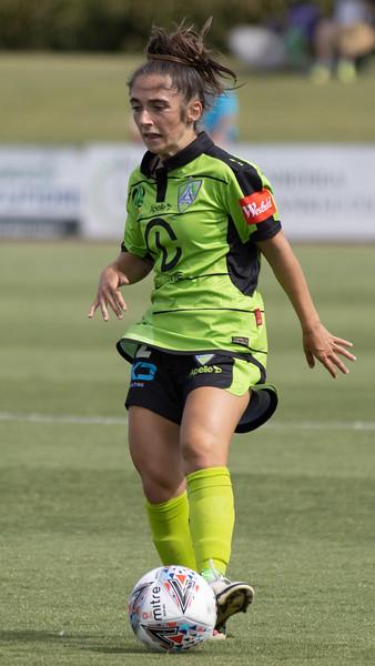Emma Ilijoski recieves pass from Maher