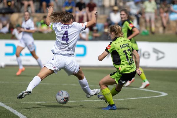 Page Satchell shot at goal vs Natasha Rigby